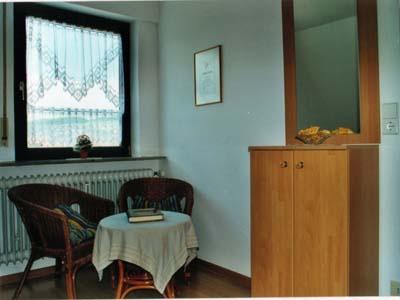Ferienwohnungen Burgblick - Sitzecke im Schlafraum DG