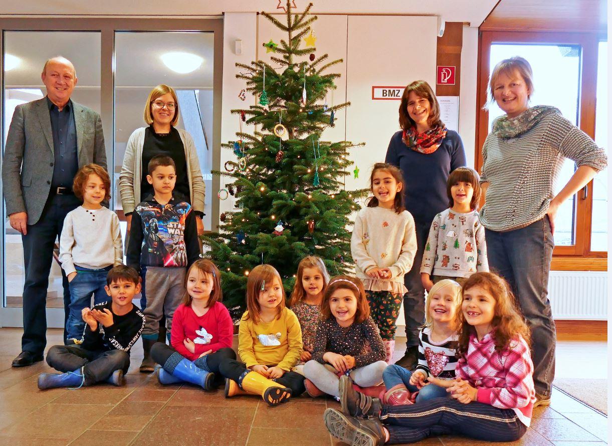 Kindergarten_weihnachtsbaum_kleiner