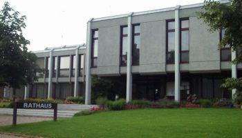 Rathaus wieder besetzt